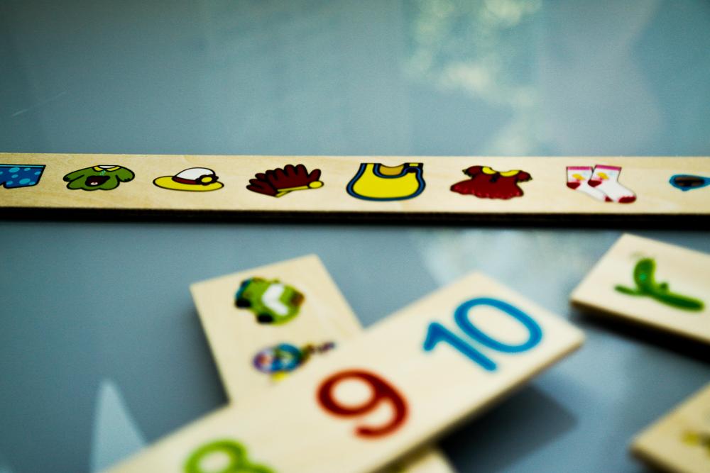 Jocul Krista Montessori Clasificarea - detaliu cu cifre