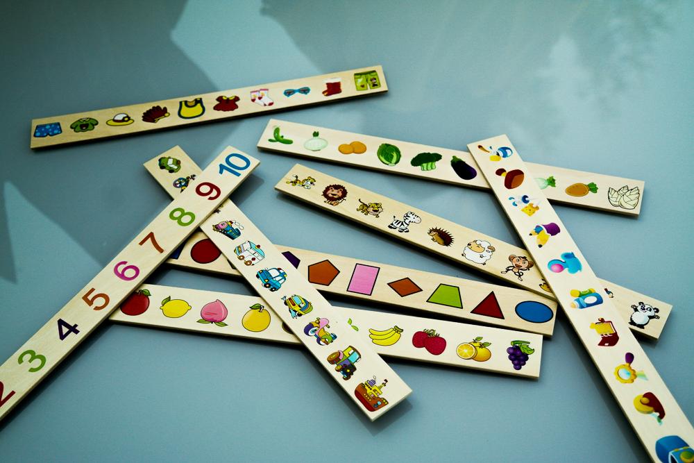 Joc Krista Montessori Clasificarea, cu 88 piese - despachetat