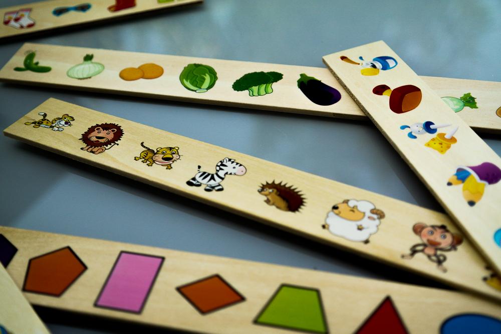 jocul Krista Montessori Clasificarea, cu 88 piese - elemente componente